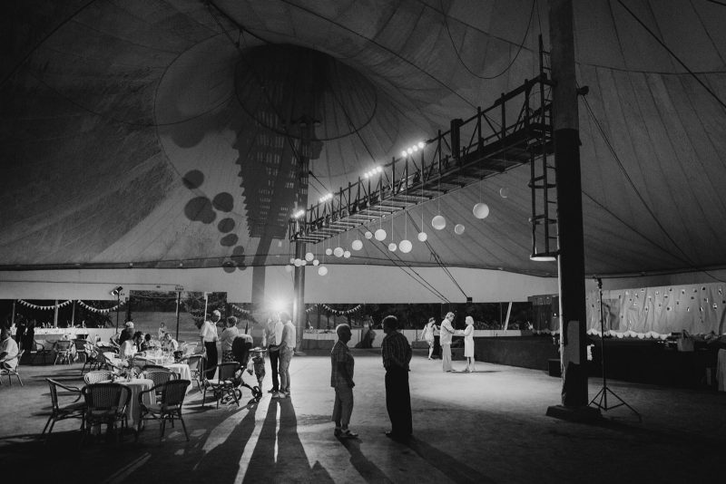 065-circus-tent-wedding
