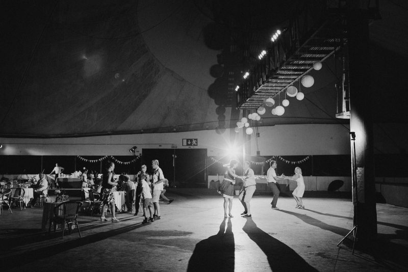 073-circus-tent-wedding