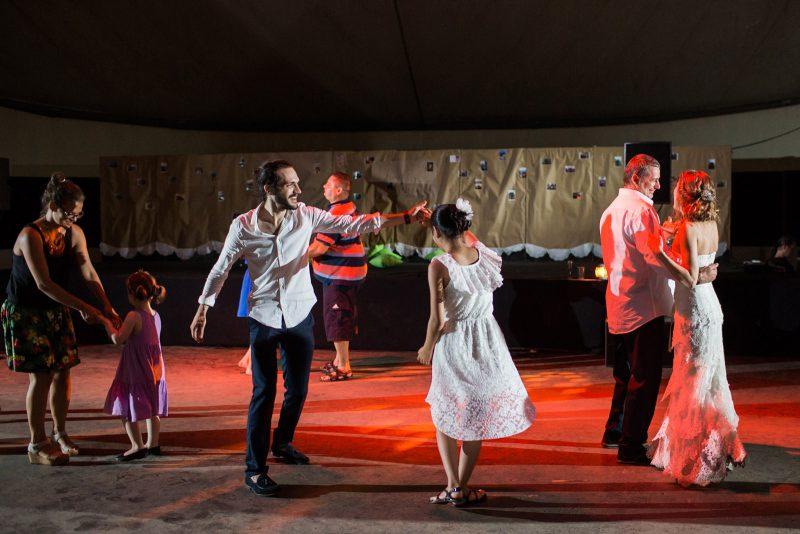 075-circus-tent-wedding