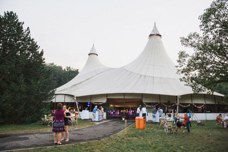 049-circus-tent-wedding
