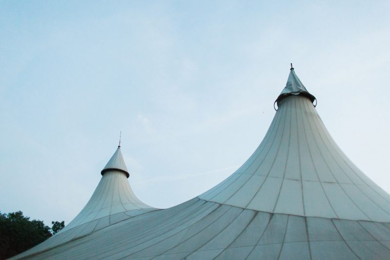 060-circus-tent-wedding