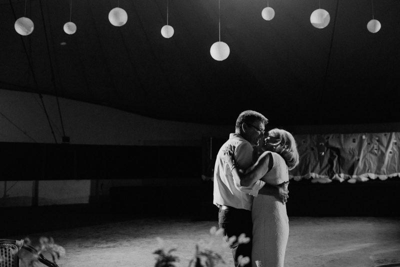 076-circus-tent-wedding